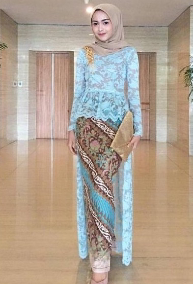 Model Gaun Kebaya Remaja 2019