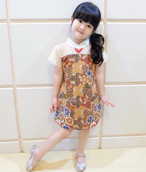 Kemeja Batik Untuk Anak: 30 Model Baju Anak Perempuan Terbaru (Lucu & Rekomendasi